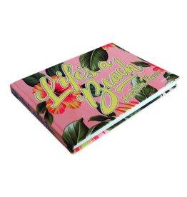 Publishers UITVERKOCHT / Martin Parr - Life's a Beach