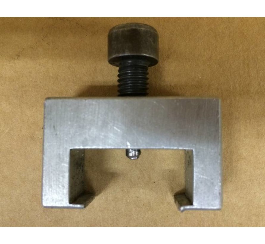 Disassembly tool for drawer castors