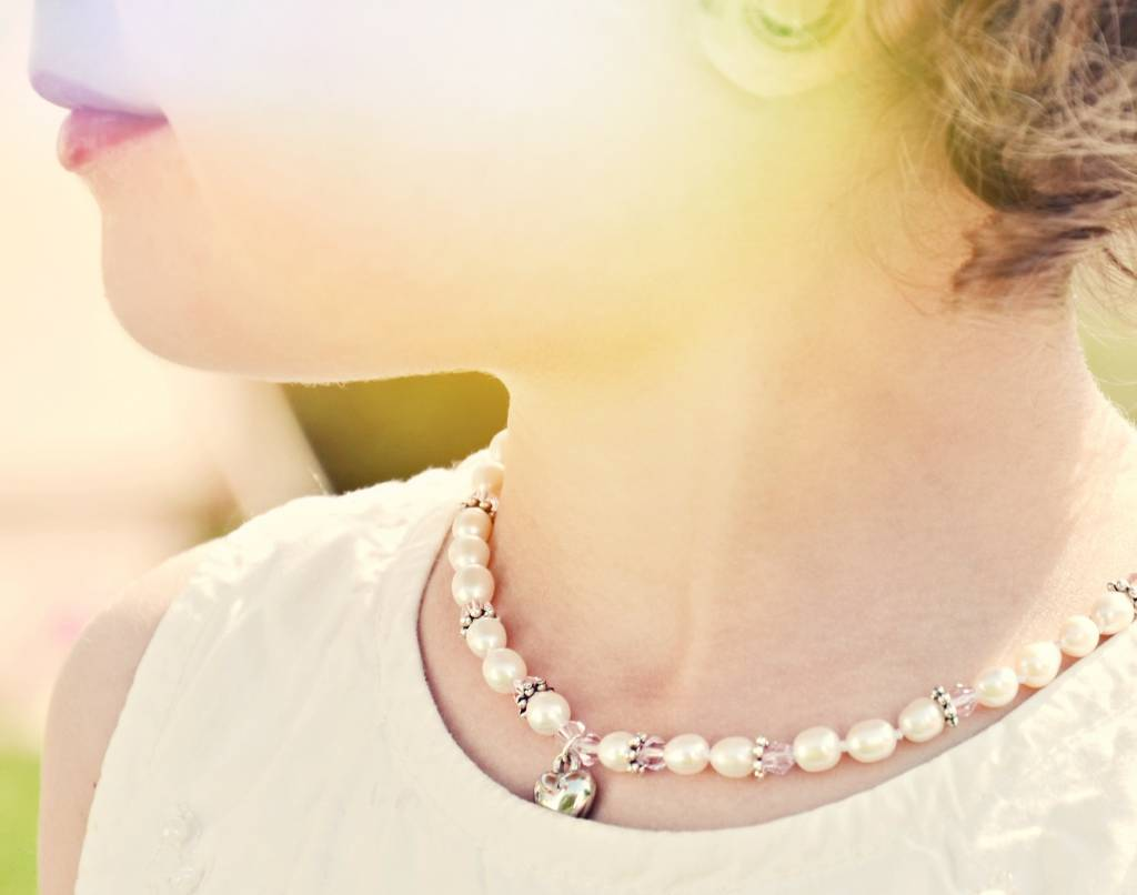 KAYA jewellery First Communion Pearl Necklace 'Infinity Pink' with Cross