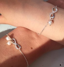 "KAYA jewellery Silver Mum & Me Bracelets set ""You are loved for Infinity"" Pearls"