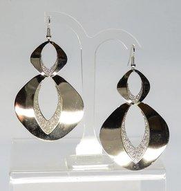 Prachtige langwerpige zilveren strass oorbellen