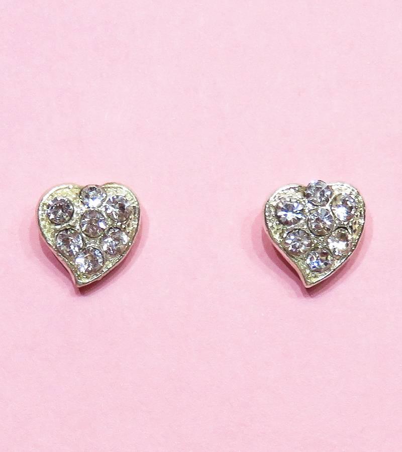 Zilveren hartjes oorstekers met strass steentjes