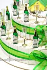 Disney huwelijk bedankjes taart met champagneglazen en flessen