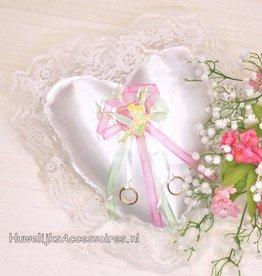 Disney Tinker Bell op witte trouwring kussen