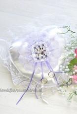 Disney Mickey en Minnie op witte trouwring kussen versierd met kant