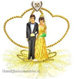 50 jaar jubileum bruidspaar met gouden kralen