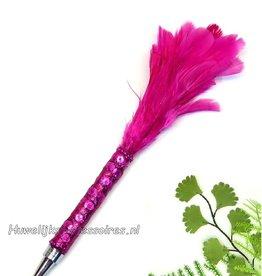 Bruiloft pen met fuchsia veren