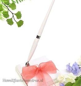 Gasten pen met houder en roze organza strik