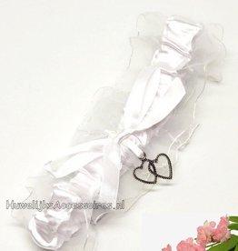 Kousenband wit met 2 hartjes