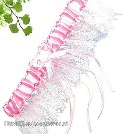 Roze en witte kant kousenband