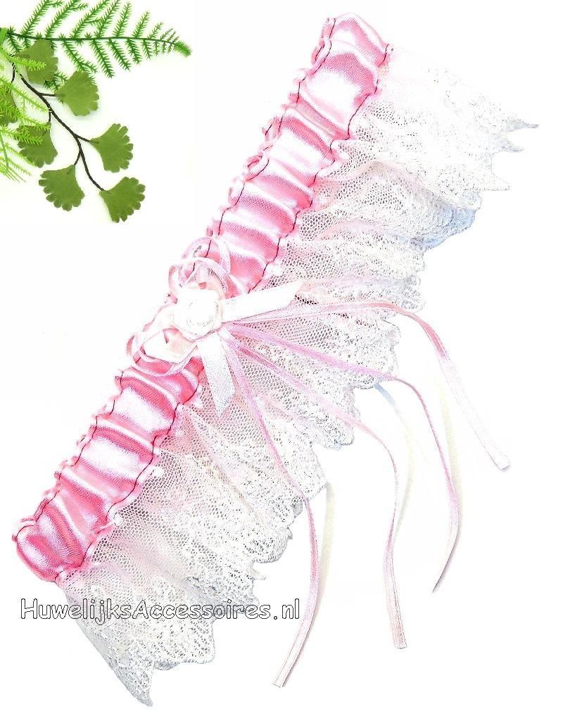 Kousenband roze en wit met witte roos center