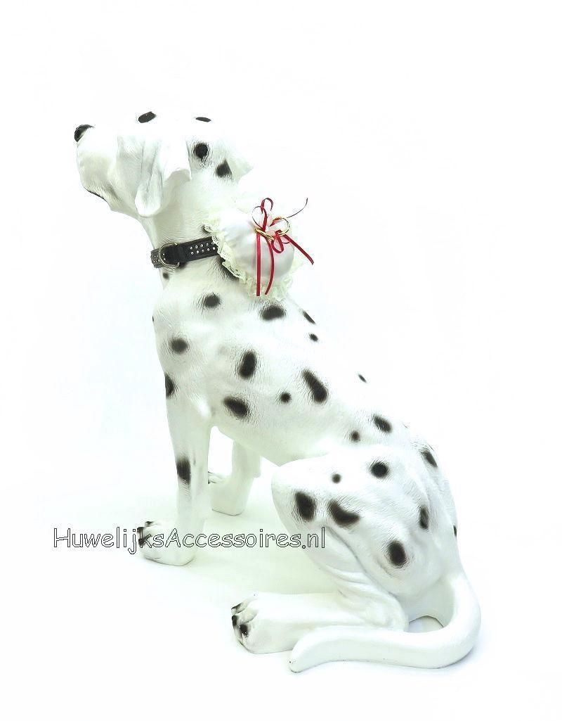Zeer leuke hartvormige ringkussentje voor je hond met blauwe kobalt lint