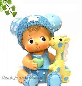 Blauwe baby beeldje met een speelpop