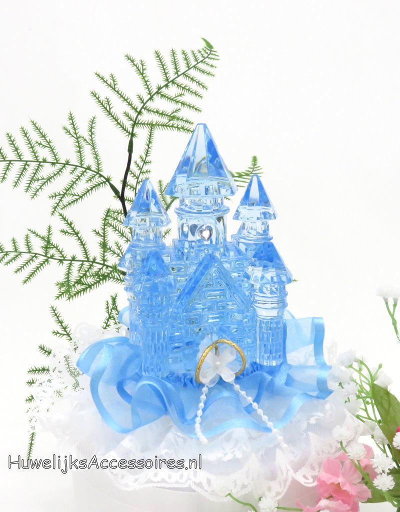 Disney Blauw kristal kasteel op een witte kanten bodem taarttopper