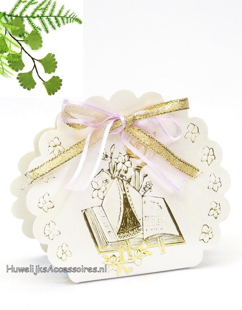 Communie bedankje versierd met lint en een bijbel