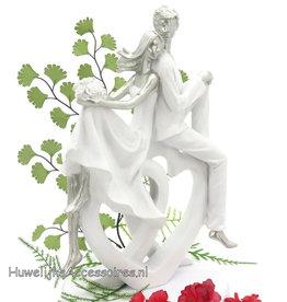 Wit en zilver bruidspaar op 2 harten taarttopper