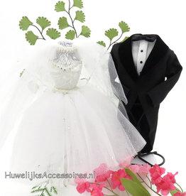 Zeer leuke bruid en bruidegom taart topper