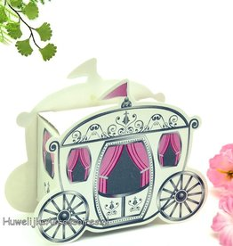 Bruidssuiker doosje als trouwkoets