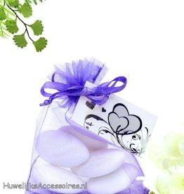 Lila paars organza zakje met bruidssuiker