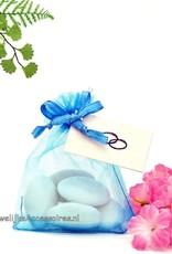Mooie organza zakje turquoise met bruidssuiker