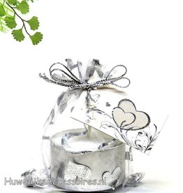 Zilver hartjes organza zakje met theelichtje