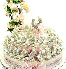 Bedankjes taart met parelmoer duivenparen