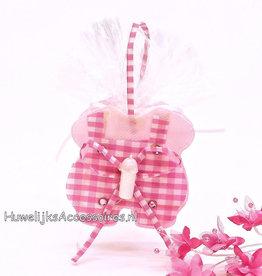 Bedankje gevuld met roze en witte hartjes