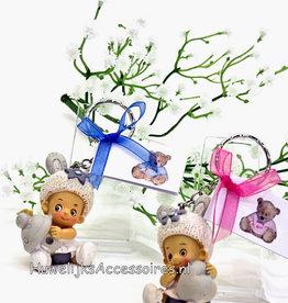 Grijs en wit baby's sleutelhanger geboorte bedankje