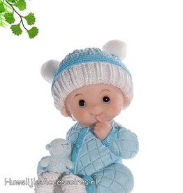 Baby jongetje in blauwe pyjama