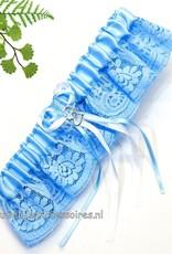 Kousenband blauw met zilver hartjes