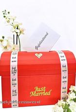 Rood bruiloft receptie enveloppendoos - 'Just Married'