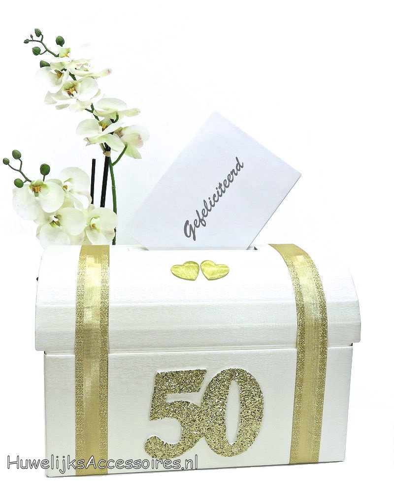 Gouden huwelijk enveloppendoos met gouden lint