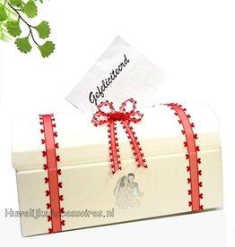 Witte enveloppendoos versierd met rood