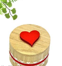 Ronde houten ringdoosje met hartje