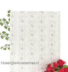 Wit gastenboek met zilveren borduursel