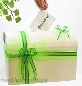 Enveloppendoos versiert met licht groene tule