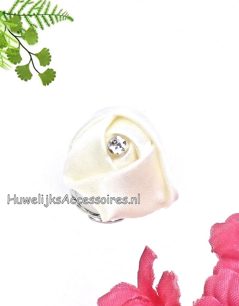 Prachtige curlies voor je bruidskapsel