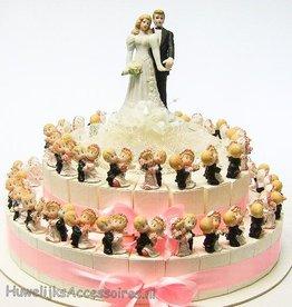 Huwelijkstaart met dansende bruidsparen