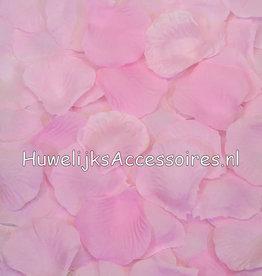 Rozenblaadjes licht roze