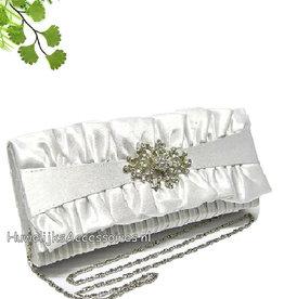 Witte bruidstasje met strass broche