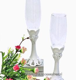 Prachtige champagneglazen met hartjes