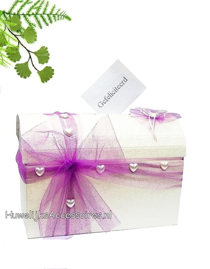 Enveloppendoos crème versierd met hartjes en paarse tule