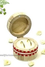 Ronde houten ringendoosje met rood stras stenen hart
