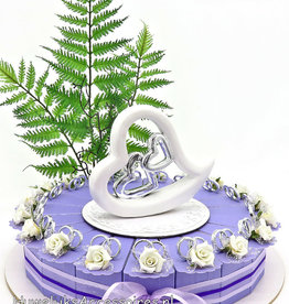 Bedankjestaart met ringen en witte roosjes