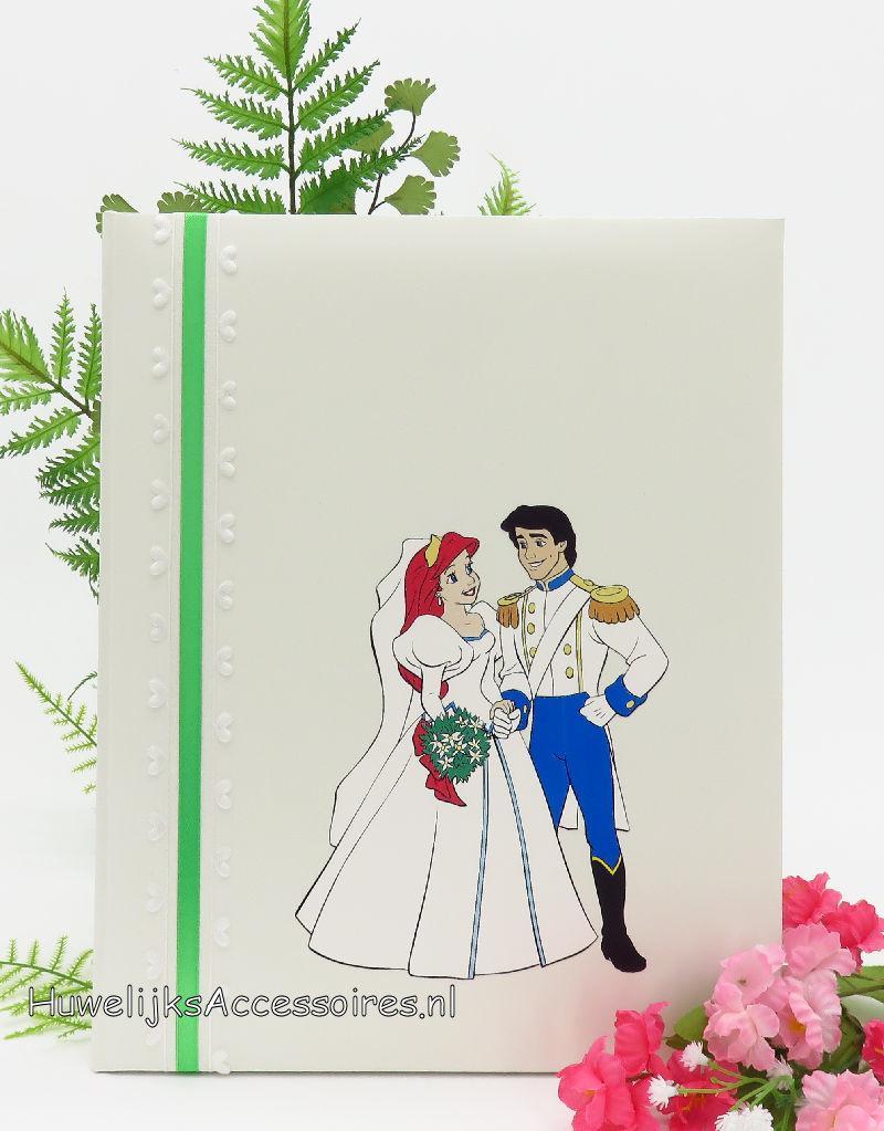 Disney Prachtige gastenboek met een print van Ariel & Erik