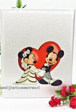 Disney Gastenboek met Mickey en Minnie voor een rode hartje
