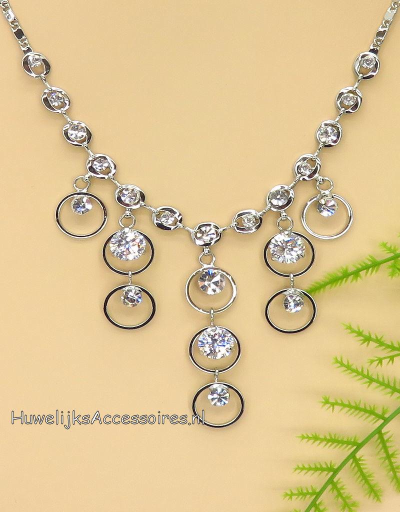 Zeer mooie zilveren halsketting met strass stenen