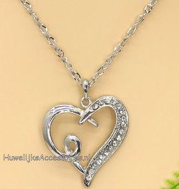 Zilver halsketting met strass hartje