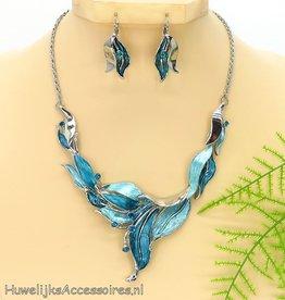 Mooie zilveren halsketting met oorbellen