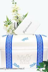 Mr & Mrs receptie enveloppendoos versierd met blauw en zilver